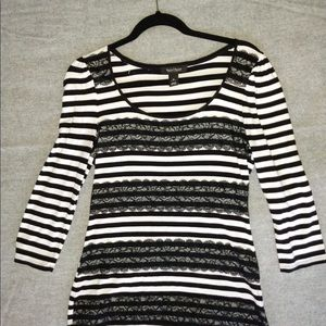 Whbm black stripe lace lined 3/4 sleeve top